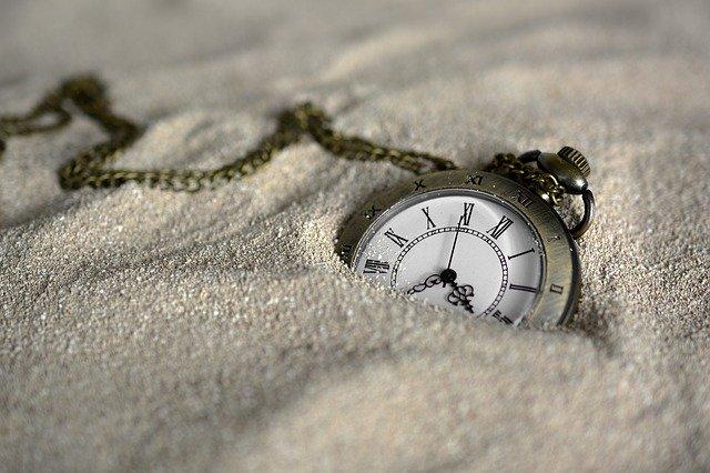 砂の中の懐中時計